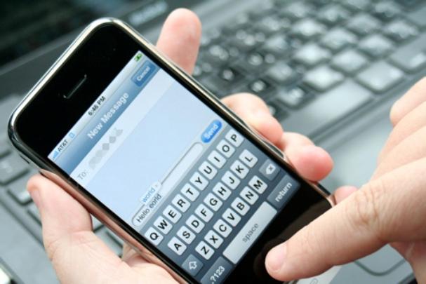 textingphone.jpg